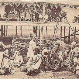 1890 ခုႏွစ္က ရုပ္ေသးစင္နဲ႕ ျမန္မာ့ဆိုင္းဝိုင္း, Photo taken by Lin San Tyna
